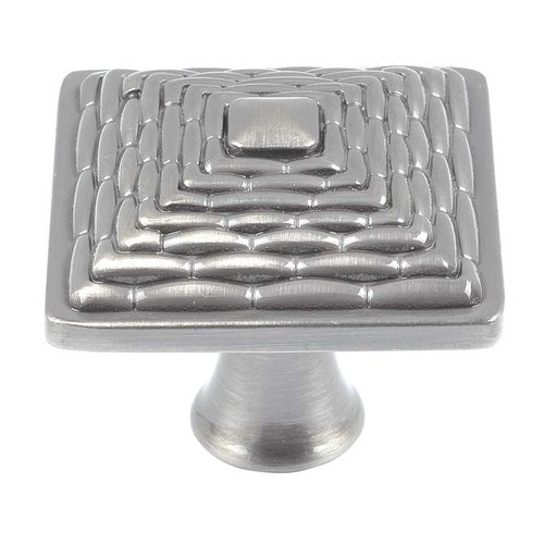 Atlas Homewares Mandalay 1-1/4 Inch Diameter Brushed Nickel Cabinet Knob 237-BRN