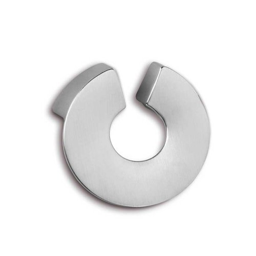 Zen Caiapo 5/8 Inch Center to Center Brushed Chrome Cabinet Pull ZP0069.2