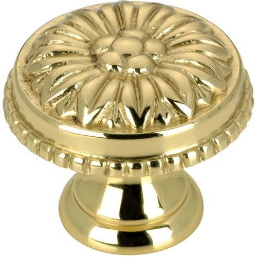 Richelieu Traditional 31/32 Inch Diameter Knobs with Brass Finish BP04325130