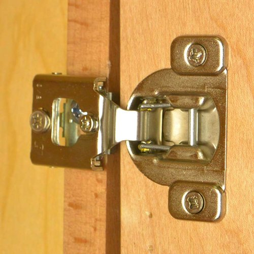 Blum Compact 38N Hinge and Mounting Plate 5/8 inch Overlay 38N355C.10